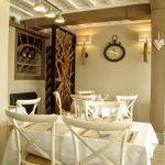 La salle à manger du restaurant Le Coq Hardy à Duclair