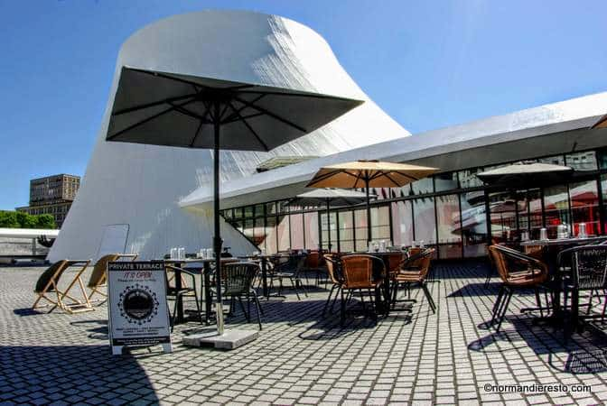 la colombe niemeyer restaurant au volcan au havre normandie resto. Black Bedroom Furniture Sets. Home Design Ideas
