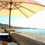 Votre table au bord de la mer