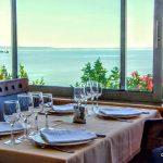 restaurant face à la mer