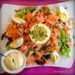 Salade de saumon au Nuage dans la Tasse