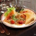 assiette de saumon mariné