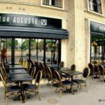 Un cadre Perret mis en avant chez Monsieur Auguste restaurant Place de l'Hôtel de ville au Havre