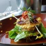 Rillettes de thon et chèvre, tuiles de parmesan façon milles feuilles et germes de légumes. au restaurant le Bouche à Oreille au Havre
