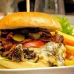 French Burger à l'effiloché de bœuf au restaurant Bouchon Normand au Havre.