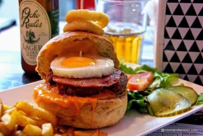 Burger maison au Denver American diner au Havre