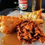 Samoussa et oignons frits au restaurant indien Tajmahal au Havre