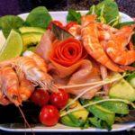 Salade Victoria, crevette, saumon et avocat au Denver au Havre