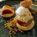 Crème citron, moelleux vanille verveine, praliné pistache chez Margote au restaurant Margote.