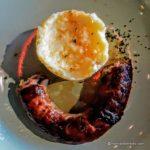 un plat de cantine au restaurant La Colombe au Havre - Saucisse purée