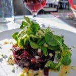 Salade betterave et pommes au restaurant O Fourno au Havre