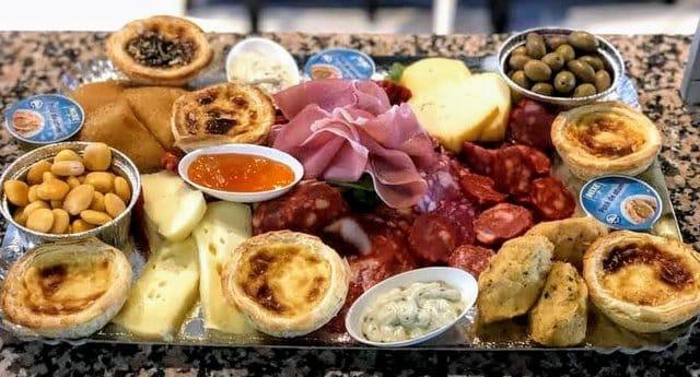 La planche apéro dînatoire portugaises au Havre à partager