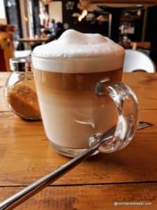 Café Latte Macchiato au Havre au Cargo